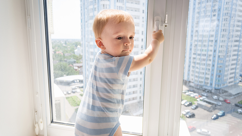 childproofing-windows-balconies-banisters-stairs