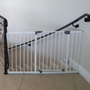 dreambaby-liberty-xtra-wide-hallway-gate-with-27cm-extension