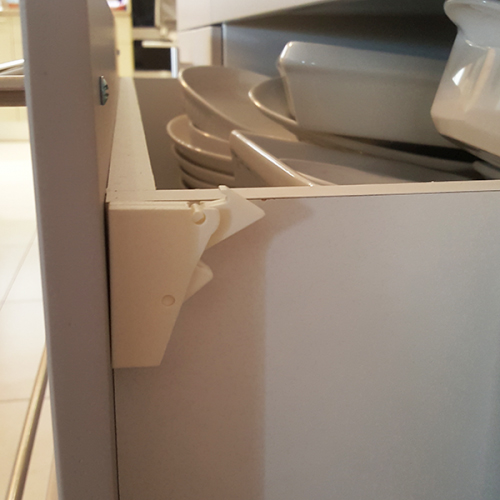 baby-safe-magni-lock-for-drawers