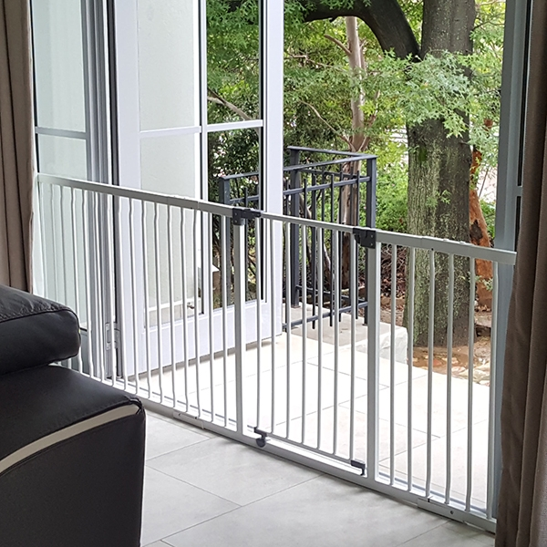 dreambaby-liberty-hallway-gate-and-1m-and-18cm-extension