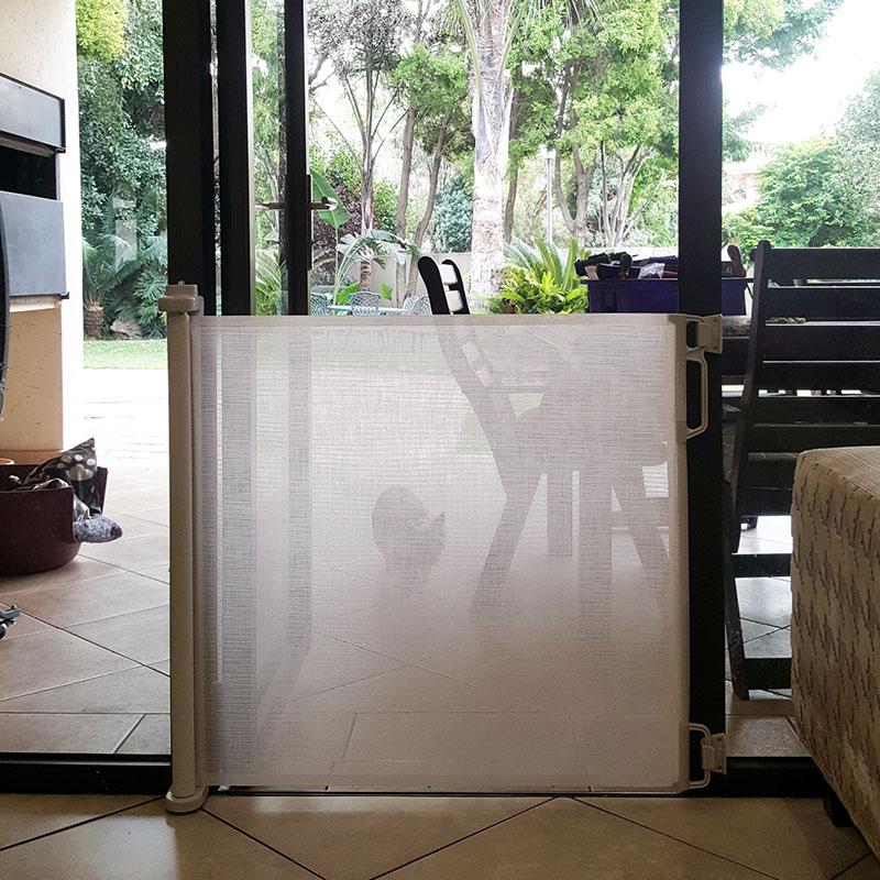 perma-retractable-gate-max-140cm-wide