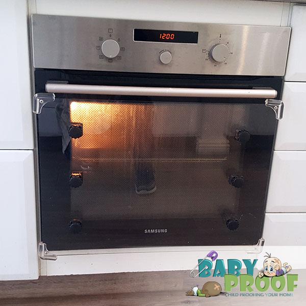 childproofing-oven-door