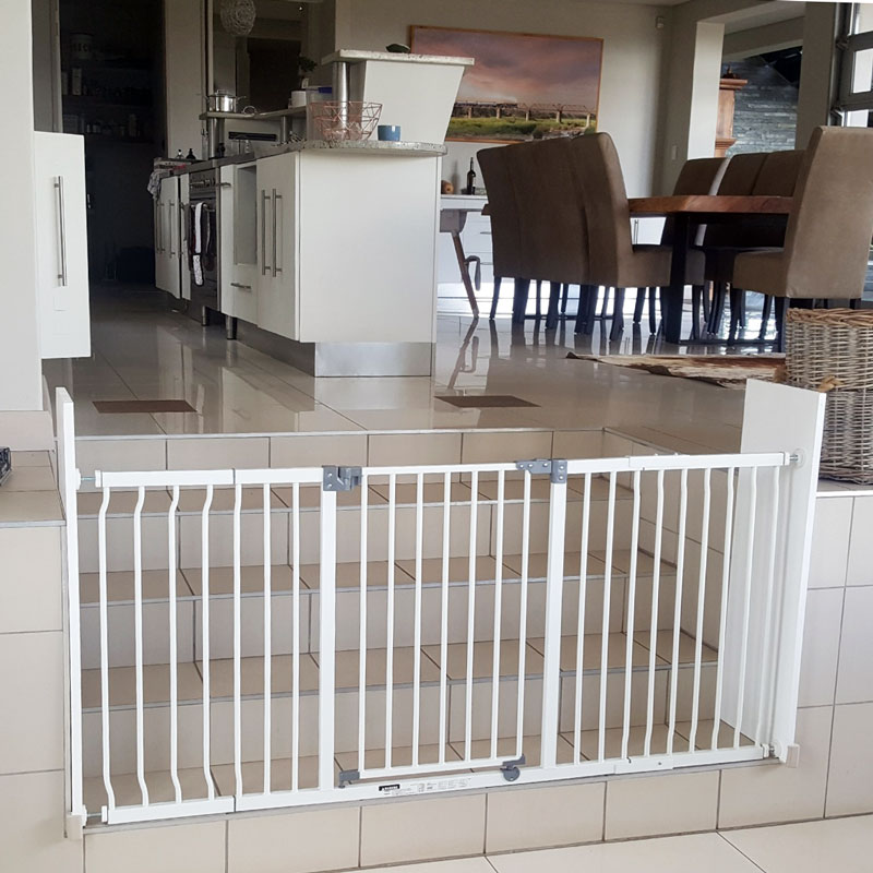 dreambaby-xtra-wide-hallway-gate-with-27cm-and-36cm-extension