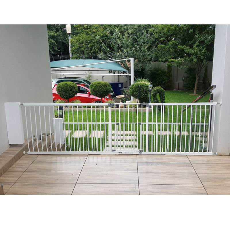 dreambaby-xtra-wide-hallway-gate-with-2x-1m-extensions-reinforced-specialized-installation