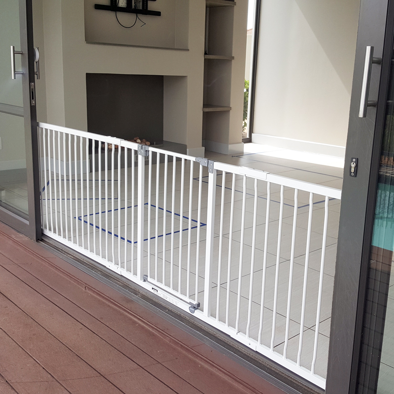 extra-wide-baby-gate-for-sliding-door