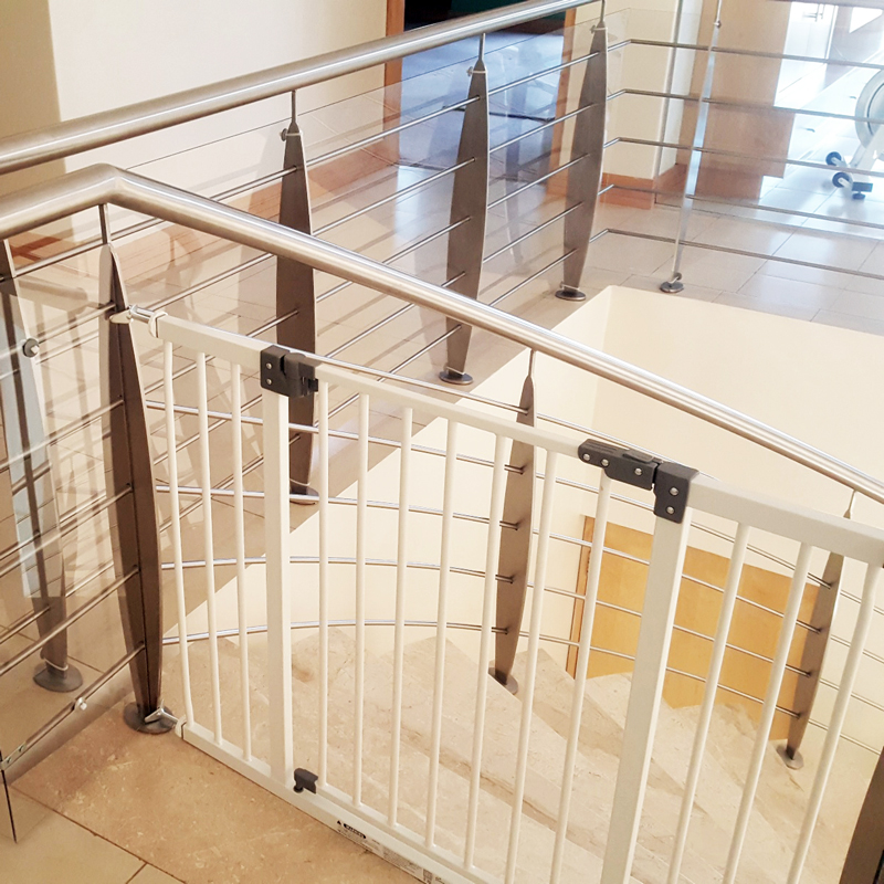 extra-wide-baby-gate-with-pole-adaptors